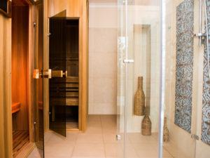 Üveges egyedi zuhanykabin