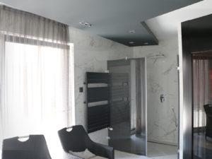 Egyedi zuhanykabin egyedi formában