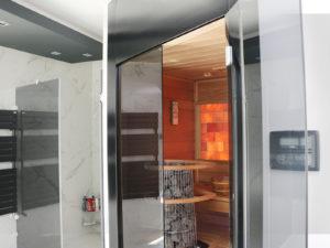 Egyedi zuhanykabin finn szaunával